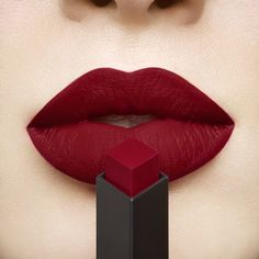Blood Red Lipstick, Best Red Lipstick, Burgundy Lipstick, Berry Lipstick, Red Lips Makeup Look, Red Lipstick Makeup, Red Lipsticks, Bold Lipstick, Makeup For Burgundy Dress