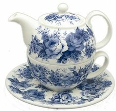 English Chintz is a romantic pattern featuring lovely shades of blue flowers on a creamy white background. Blue and white continues to be a popular home decor color combination. This tea for one set is elegant and makes a lovely display. Or, if you love tea, enjoy drinking from this teapot for one, made in England of fine bone china. Roy Kirkham