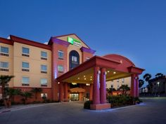 South Padre Island (TX) Holiday Inn Express Hotel and Suites South Padre Island United States, North America Holiday Inn Express Hotel and Suites South Padre I is perfectly located for both business and leisure guests in South Padre Island (TX). Both business travelers and tourists can enjoy the hotel's facilities and services. Free Wi-Fi in all rooms, 24-hour front desk, express check-in/check-out, room service, meeting facilities are just some of the facilities on offer. Com...
