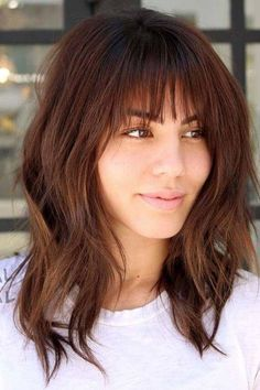Medium Hair Cuts Inspirations The Most Popular Medium Haircut Inspiration for 2018 Bangs With Medium Hair, Medium Hairstyles With Bangs, Lob With Bangs, Mid Length Hair With Bangs, Full Fringe Hairstyles, Medium Hair Styles With Layers, Lob Bangs, Long Bob With Bangs, Layered Haircuts With Bangs