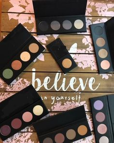 Experience Younique's MOODSTRUCK® pressed shadow in a quad palette for a perfect color eyeshadow look. Beauty Box, Custom Palette, Kylie Jenner, Bobbi Brown, Yellow Status Younique, Younique Party Games, Mascara, Eye Makeup, Makeup Tips