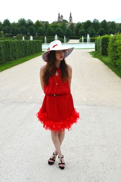Back to the 20's with a red feather dress | Ly Hoang