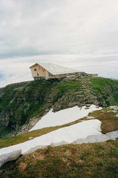 Gipfelgebäude von Herzog & de Meuron / Ab in die Berge - Architektur und Architekten - News / Meldungen / Nachrichten - BauNetz.de