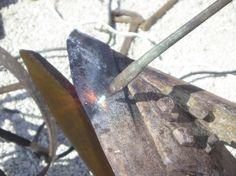 05 - riscaldamento della lama, per raddrizzarla.