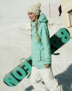 You have to love how she coordinated her board and jacket! #snowboard