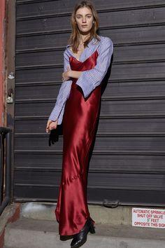 http://www.vogue.com/fashion-shows/pre-fall-2016/nili-lotan/slideshow/collection