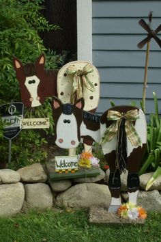 One of a kind horse lovers gift. Wooden horses by NewtoEwe, $60.00