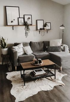 20 Stylish Small Living Room Decor Ideas On A Budget. Cool 20 Stylish Small Living Room Decor Ideas On A Budget. Using these four designer secrets and small living room decorating ideas can make all the difference between feeling cozy or […] Living Room Modern, Living Room Interior, Gray Couch Living Room, Apartment Living Rooms, Living Room Wall Ideas, Grey Home Decor, Apartment Couch, Simple Living Room Decor, Condo Living Room