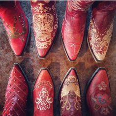 There's just something about red cowgirl boots! I LOOOOVE Red boots . got a couple a these n others Red Cowgirl Boots, Cowgirl Chic, Cowboy And Cowgirl, Cowgirl Style, Cowgirl Fashion, Western Style, Western Wear, Western Boots, Red Shoes