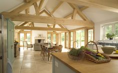 36 Wooden Barn House Designs to Inspire You Barn Kitchen, Open Plan Kitchen, Kitchen Living, Style At Home, Barn Conversion Interiors, Barn Conversion Kitchen, Oak Framed Extensions, Kitchen Extensions, Barn House Design