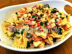 Creamy Italian Pasta Salad!  Get this recipe and more family friendly recipes at www.auntbeesrecipes.com