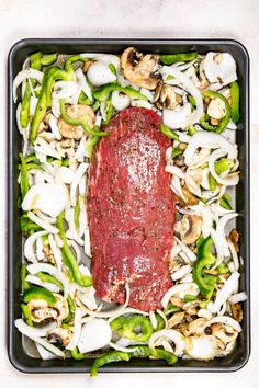Family Sheet Pan Suppers Dinner Recipes - - Don't let the busy weeknight get you down. These Family-friendly Sheet Pan Suppers are easy dinner recipes for individuals on the go! Beef Recipes, Cooking Recipes, Water Recipes, Grilling Recipes, Meat And Potatoes Recipes, Flank Steak Recipes, Pan Cooking, Cooking Fish, Pork Tenderloin Recipes