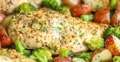 One Pan Honey Garlic Chicken and Veggies - Tender, juicy chicken breasts baked to perfection with potatoes and broccoli. All cooked on a single pan! Baked Garlic, Honey Garlic Chicken, Chicken And Vegetables, Veggies, Pollo Tandoori, Best Macaroni Salad, Foil Pack Dinners, Steak Kabobs, One Pan Chicken
