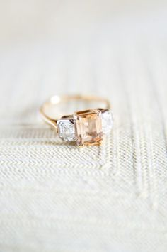 20 Pretty Engagement Rings that WOW! | http://www.deerpearlflowers.com/20-pretty-engagement-rings-that-wow/