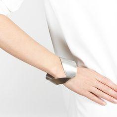 Serpentine mobius bracelet