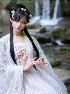 帅嘤嘤 Beautiful Japanese Girl, Beautiful Asian Girls, My Demons, Japan Girl, Interesting Faces, Fantasy Girl, Hanfu, Picture Poses, Traditional Dresses