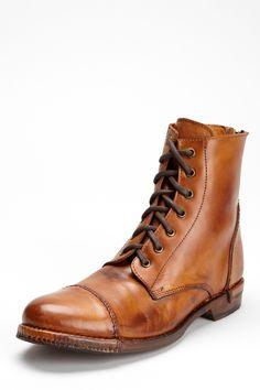 Bed|Stu  Dugas Boot