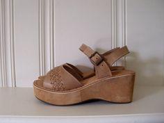 Vintage platform shoes tan woven leather by vintageclothingstore, $85.00