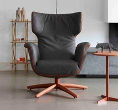 De First Class fauteuil van Label. ontworpen door Gerard van den Berg. Nu te zien in onze showroom.