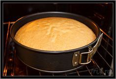 blat tort pufos - coacem la 180 grade