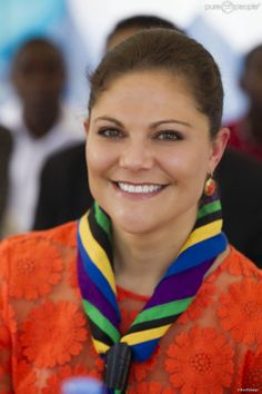 Crown Princess Victoria continued her visit to Tanzania. Visit the village of Kigamboni helped by the Swedish Association Water Aid