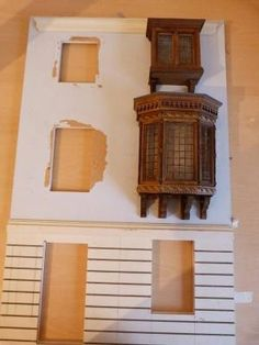 This is a large 5 sashed bay window that will be a first (second) floor window above one of the shops. This took me an absolute age to make and cost me a b. by priscilla Doll House Crafts, My Doll House, Barbie House, Miniature Crafts, Miniature Houses, Miniature Dolls, Miniature Furniture, Dollhouse Furniture, Dollhouse Windows