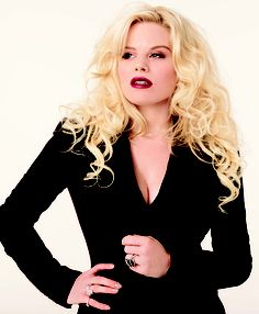 #Smash's Megan Hilty is featured in this month's Vegas Magazine