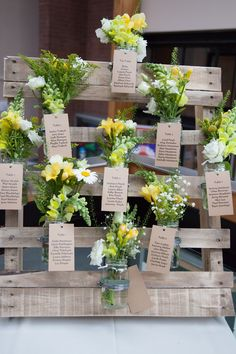A wedding table plan in pallets! Get inspired! Un plan de table mariage en palettes! A wedding table plan in pallets! 20 ideas … Get inspired! Chic Wedding, Wedding Events, Weddings, Trendy Wedding, Wedding Details, Tableau Marriage, Origami Decoration, Festa Party, Wedding Ceremony Decorations