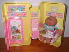 Cabbage Patch Vintage Yellow Love N Go Fold Up Kitchen Carrying Case  #Mattel #playset
