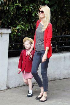 Claudia Schiffer et sa fille Clementine Poppy http://www.vogue.fr/mode/mannequins/diaporama/les-mannequins-meres-qui-ont-des-filles-la-releve-des-tops/30696#claudia-schiffer-et-sa-fille-clementine-poppy