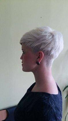 Short Pixie Haircuts, Cute Hairstyles For Short Hair, Pixie Hairstyles, Short Hair Styles, Short Sassy Hair, Short Hair Cuts For Women, Shaved Hair Cuts, My Hairstyle, Hair Highlights