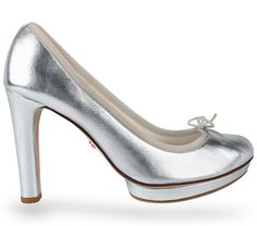 High heel ballerina Tess White gold Lambskin by Repetto - Collection spring-summer 2015 Repetto, Latest Shoes, Coups, Spring Summer 2015, Ballerina, Women's Shoes, Ready To Wear, Peep Toe, High Heels