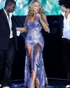 Mariah Carey Singing, Mariah Carey 90s, Mariah Carey Photos, Mariah Carey Heartbreaker, Stage Outfits, Fashion Outfits, Women's Fashion, Maria Carey, Celebrity Singers