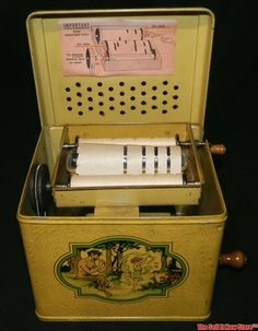 Vintage Tin Lithograph J Chein Melody Player Wind Up Toy Music Box Organ~~