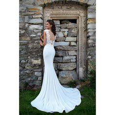 Honosné svadobné šaty morská panna s jednoduchou sukňou s vlečkou a a čipkovým živôtikom zdobeným kvetmi