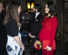 Sofia de Suecia, radiante de rojo pasión a la espera de ser madre - Foto 1