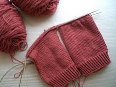 two at a time sock knitting tutorial, one needle, looks easy enough...