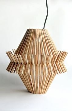 Functional Decor Made From Recycled Chopsticks - crafts diy lights Diy Home Crafts, Wood Crafts, Diy Popsicle Stick Crafts, Popsicle Sticks, Stick Art, Newspaper Crafts, Diy Hanging, Chopsticks, Recycled Crafts