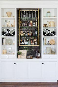 Modern home bar design ideas Diy Home Bar, Home Bar Decor, Bars For Home, Small Home Bars, Living Room Bar, Bar In Dining Room, Dinning Table, Kitchen Living, Living Rooms