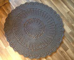 "Crochet rug ""Asteri"" ( model by Kauhavan Kangas-Aitta)"