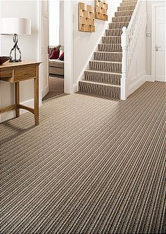 Striped carpet for stairway and Hall? Does it work