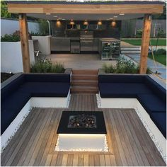 Home Buying Tips To Help You Along The Way. Backyard Seating, Backyard Patio Designs, Outdoor Seating, Back Garden Design, Garden Fire Pit, Outdoor Living, Pergola, New Homes, Walls