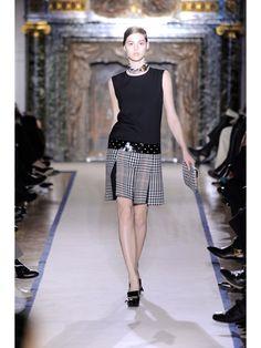 A moda ultimamente está cheia de elementos Mod, o movimento dos moderninhos criado na Inglaterra na década de 60. Mod é a abreviação da palavra modern, que servia para caracterizar jovens muito lig…