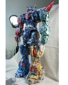 Gwi-Jang's INSANE custom GoLion Voltron papercraft. Nothing Fugly about this at all!