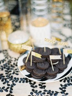 Oreos: http://www.stylemepretty.com/2015/12/23/black-gold-holiday-wedding-inspiration/ | Photography: Julie Paisley - http://juliepaisleyphotography.com/blog/