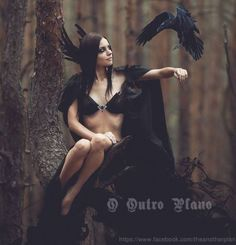 Image shared by Säsuu. Find images and videos about woman, dark and fantasy on We Heart It - the app to get lost in what you love. Dark Fantasy, Fantasy Art, Dark Romance, Foto Fashion, Fashion Shoot, Fantasy Photography, Fashion Photography, Beltane, Maquillage Halloween