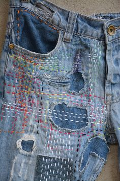 Jean Rapiécé, Jean Diy, High Waisted Mom Jeans, High Jeans, Ripped Jeggings, Patched Jeans, Women's Jeans, 90s Jeans, Visible Mending