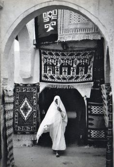"""""""Rêver de la Tunisie"""" de Hicham Djaït, Editions Vilo, 1971. (love the…"""