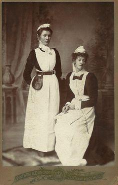 ☤ MD ☞ ☆☆☆ Two Nurses. Hull.