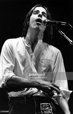 Jackson Browne performing at a 'Tribute to Lowell George' at the Forum on August 1979 in Los Angles, Califonia Get premium, high resolution news photos at Getty Images Americana Music Festival, Lowell George, Kelly Hu, Bonnie Raitt, Jackson Browne, The Pretenders, Carole King, Joan Baez, Village People
